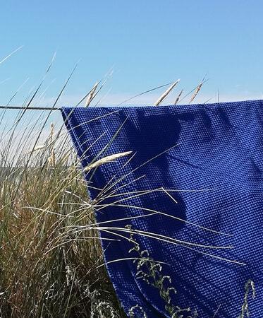 Koboltblåt badehåndklæde, på snor, Møn 2